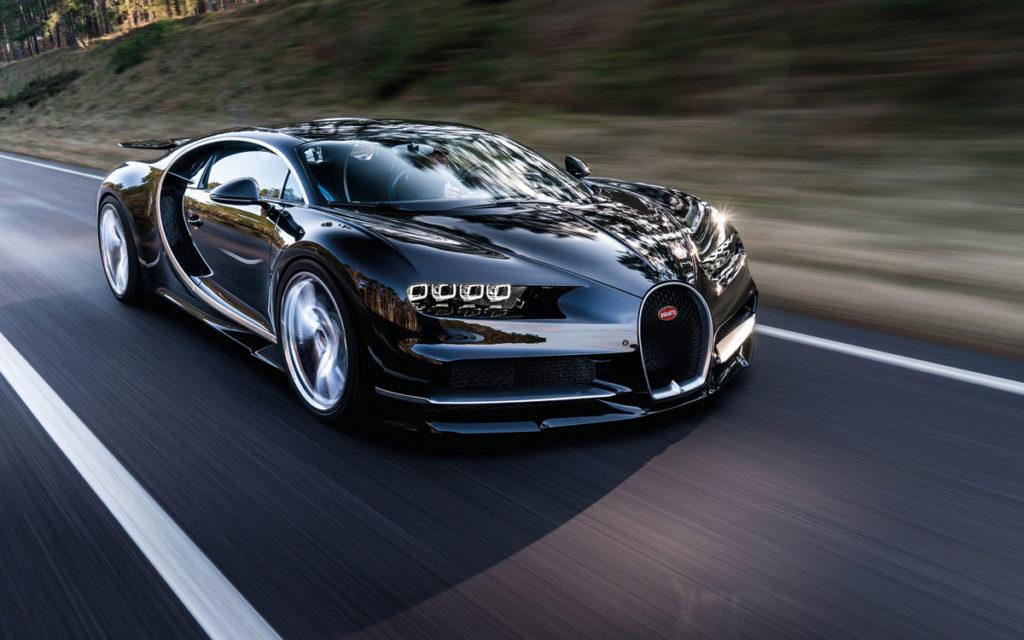 Новый гиперкар могучий Bugatti Chiron