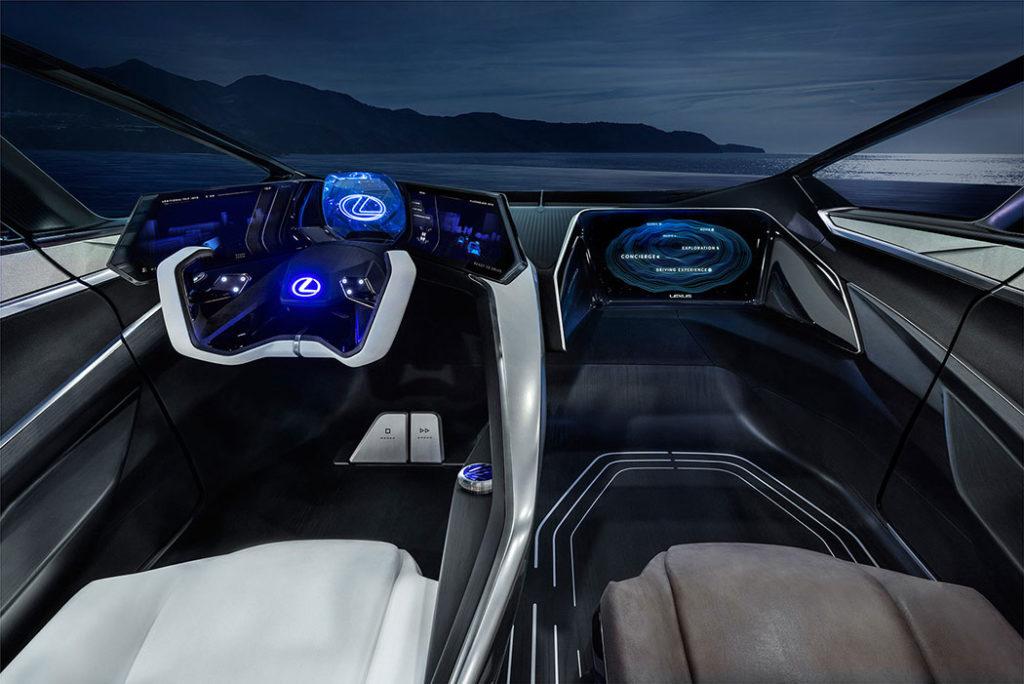 В новом электрокаре Lexus потолок сделали экраном